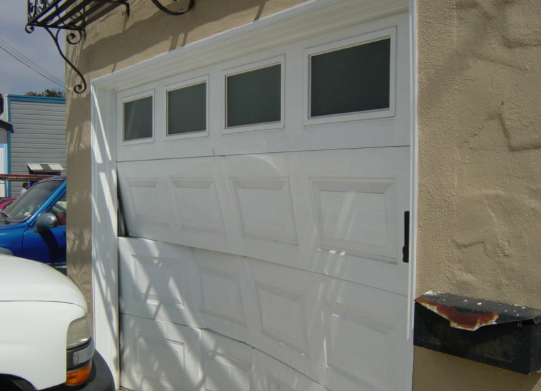 garage door panel replacement elgin